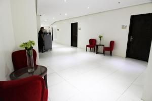 BIG HOTEL LOBBY03