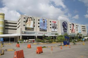 SMmall outside