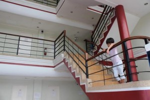 philinter_Dormitarys-stairs