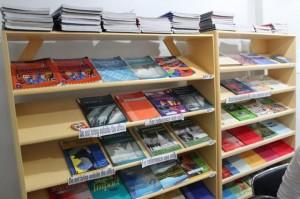philinter_book-shelf