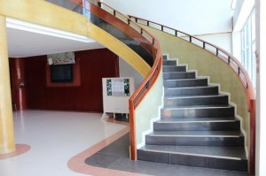 philinter_school-stairs